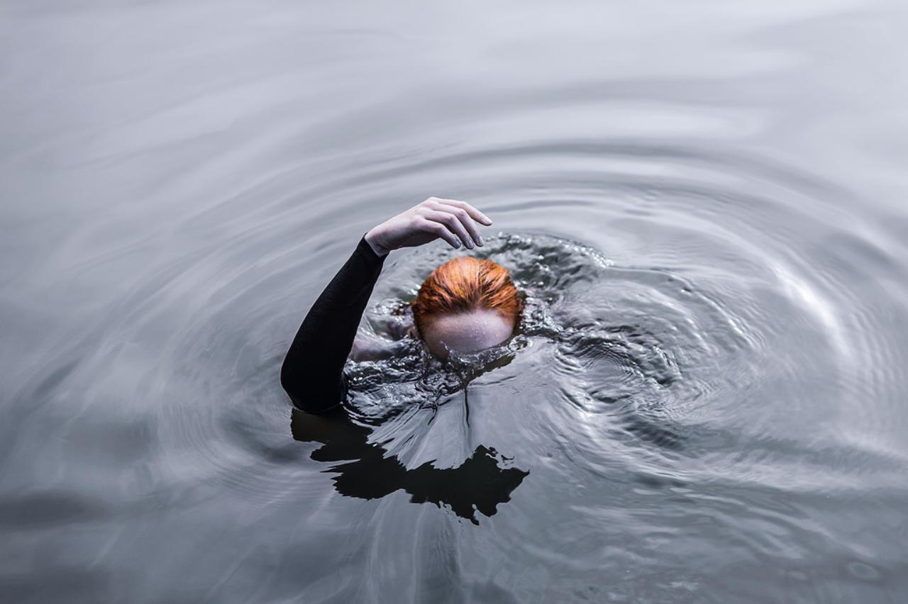 Drowning Mermaid  mermaid stories